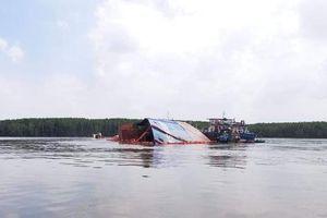 Tàu vận tải chìm ở sông Lòng Tàu: Hút thêm 50 tấn dầu