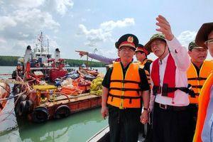 Vụ chìm tàu trên sông Lòng Tàu: Đã hút được 60/173 m³ dầu còn trên tàu