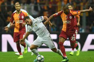 Real Madrid 'biết mùi' chiến thắng, Man City 'tan hoang' hàng thủ