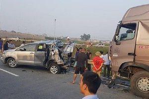 Tiếp tục điều tra vụ container đâm Innova lùi trên cao tốc để 'tránh oan sai'