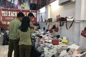 Phát hiện hàng nghìn chiếc túi nhái nhãn hiệu nổi tiếng