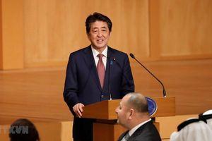 Thủ tướng Abe chủ trì tiệc chiêu đãi khách dự lễ đăng quang Nhật hoàng