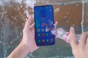 Test khả năng chống nước của Xiaomi Redmi Note 8