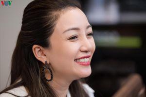 Phạm Thu Hà ráo riết tập luyện cho liveshow đầu tiên tại quê nhà