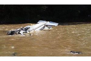 Máy bay Mexico rơi, năm người thiệt mạng