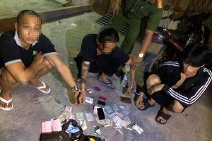 CSGT quận 12 bắt quả tang nghi can tàng trữ ma túy