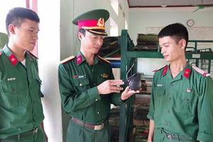 Tuyên truyền bằng loa mini ở Lữ đoàn 414