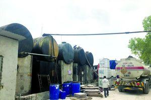 Dầu thải xả vào nguồn nước sạch sông Đà: Xử lý cực kỳ phức tạp