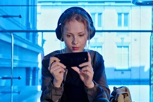 Sony Xperia 1 Professional Edition ra mắt: 'bình mới rượu cũ', giá vẫn cao