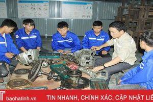 Trung tâm Giáo dục nghề nghiệp - GDTX Đức Thọ: 'Đi cũng dở, ở chẳng xong'!