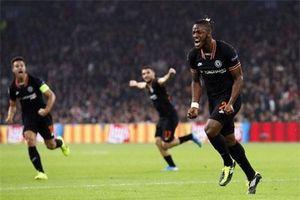 Siêu dự bị tỏa sáng, Chelsea 'bỏ túi' 3 điểm đầy kịch tính trước Ajax