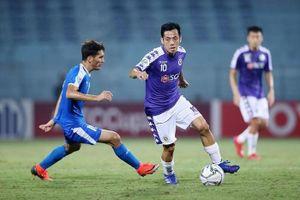 Bị thầy Park Hang Seo 'đào thải', Văn Quyết vẫn 2 lần liên tiếp đoạt danh hiệu xuất sắc nhất V-League