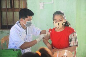 Quảng Nam tiêm vaccine phòng chống bệnh bạch hầu cho 14.000 người