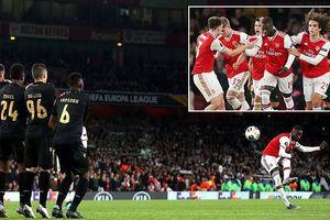 MU thắng nhờ phạt đền, siêu phẩm giúp Arsenal lội ngược dòng
