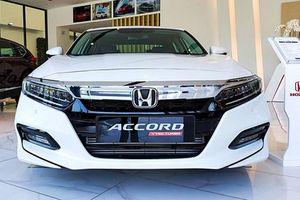 Honda Accord mới về Việt Nam, đắt hơn Camry từ 94 triệu đồng