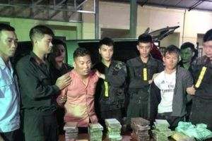 Hà Tĩnh: Bắt giữ 2 đối tượng vận chuyển thuê 30 bánh heroin, 6.000 viên ma túy tổng hợp