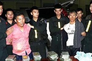 Hà Tĩnh: Bắt giữ 2 đối tượng vận chuyển 30 bánh heroin và 6000 viên ma túy tổng hợp