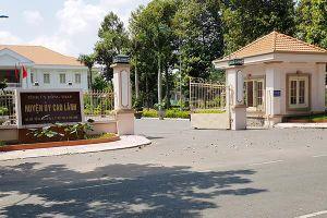 Bí thư xã bị tố 'tòm tem' vợ nhân viên bảo vệ Văn phòng UBND huyện