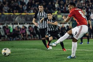 Manchester United thắng nhọc nhằn FK Partizan nhờ quả phạt đền