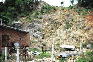 Khánh Hòa cần nhanh chóng làm rõ vụ sạt lở khu dân cư khiến 4 người chết