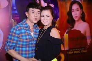 Vợ Chí Tài từ Mỹ về Việt Nam ủng hộ live show của chồng