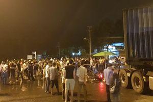 Nam công nhân bị xe container cán chết trên đường đi làm