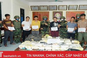 Chủ tịch UBND tỉnh Hà Tĩnh khen thưởng 20 tập thể, cá nhân xuất sắc trong phòng chống tội phạm ma túy