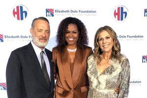 Cựu đệ nhất phu nhân Mỹ Michelle Obama mặc suit của NTK Công Trí