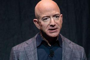 Tỷ phú Jeff Bezos có nguy cơ mất danh hiệu người giàu nhất thế giới