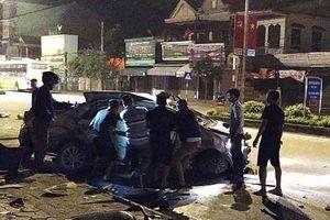 Nghệ An: 3 người tử vong trên ô tô sau va chạm với xe khách