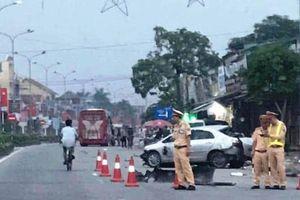 Hai vợ chồng tử vong thương tâm khi ngồi taxi về quê