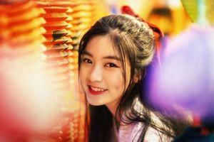 Missteen Nam Phương hóa chị Hằng xinh đẹp dạo phố mùa trung thu
