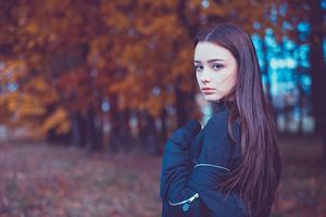 Bí quyết trang điểm đẹp và chăm sóc da căng mịn của 'búp bê Nga' Dasha Taran