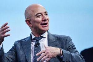 Tỷ phú Jeff Bezos giành lại ngôi 'vương' những người giàu nhất thế giới