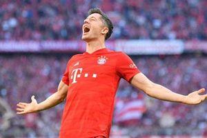 Lewandowski lập kỷ lục ghi bàn tại Bundesliga