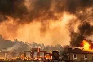 Ít nhất 50.000 người được lệnh sơ tán do cháy rừng ở California, Mỹ