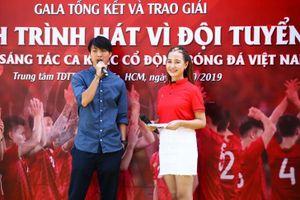 Nhạc sĩ Võ Thiện Thanh về nhất trong cuộc thi sáng tác ca khúc 'Hành trình hát vì đội tuyển'