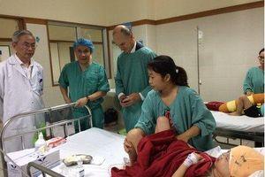 Phẫu thuật thành công cho bé gái 7 tuổi bẩm sinh hốc mắt xa