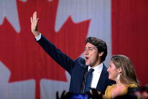 Thủ tướng Nguyễn Xuân Phúc gửi điện mừng tới Thủ tướng Canada