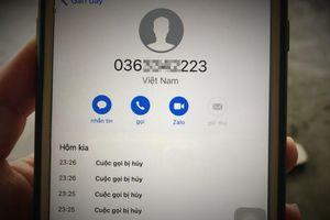 Xác minh số điện thoại nghi của 'cò mồi' đưa người đi Anh