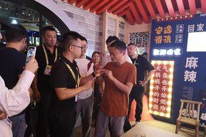 Kẹo mút vị nước lẩu Trùng Khánh đắt hàng nhờ dựa hơi Jack Ma