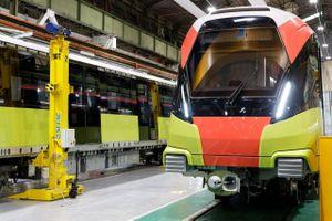 Mục sở thị đoàn tàu đầu tiên tuyến metro Nhổn - Ga Hà Nội trên đất Pháp
