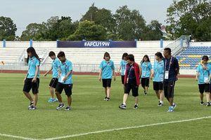 U19 nữ Việt Nam làm quen sân thi đấu IPE Chonburi