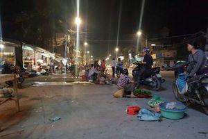 'Điểm đen' họp chợ ở ngã năm Hoằng Ngọc