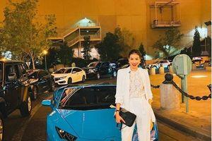 Bộ sưu tập toàn siêu xe chục tỷ của Hoa hậu Phạm Hương ở trời Tây