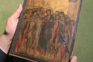 Bức tranh của danh họa Cimabue bị treo trong bếp đạt giá 617 tỉ đồng
