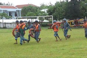 Quân và dân Trường Sa chuẩn bị ứng phó áp thấp nhiệt đới trên biển