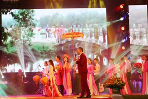 Chung kết Liên hoan 'Giọng ca vàng Bolero' TT- Huế lần thứ nhất