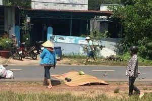 Bình Dương: Hai vợ chồng thương vong vì tông phải con bò chạy qua đường