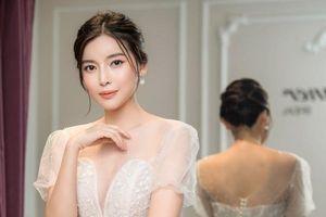Hai Sáng của 'Tiếng sét trong mưa' khoe vẻ đẹp ngọt ngào với váy cưới